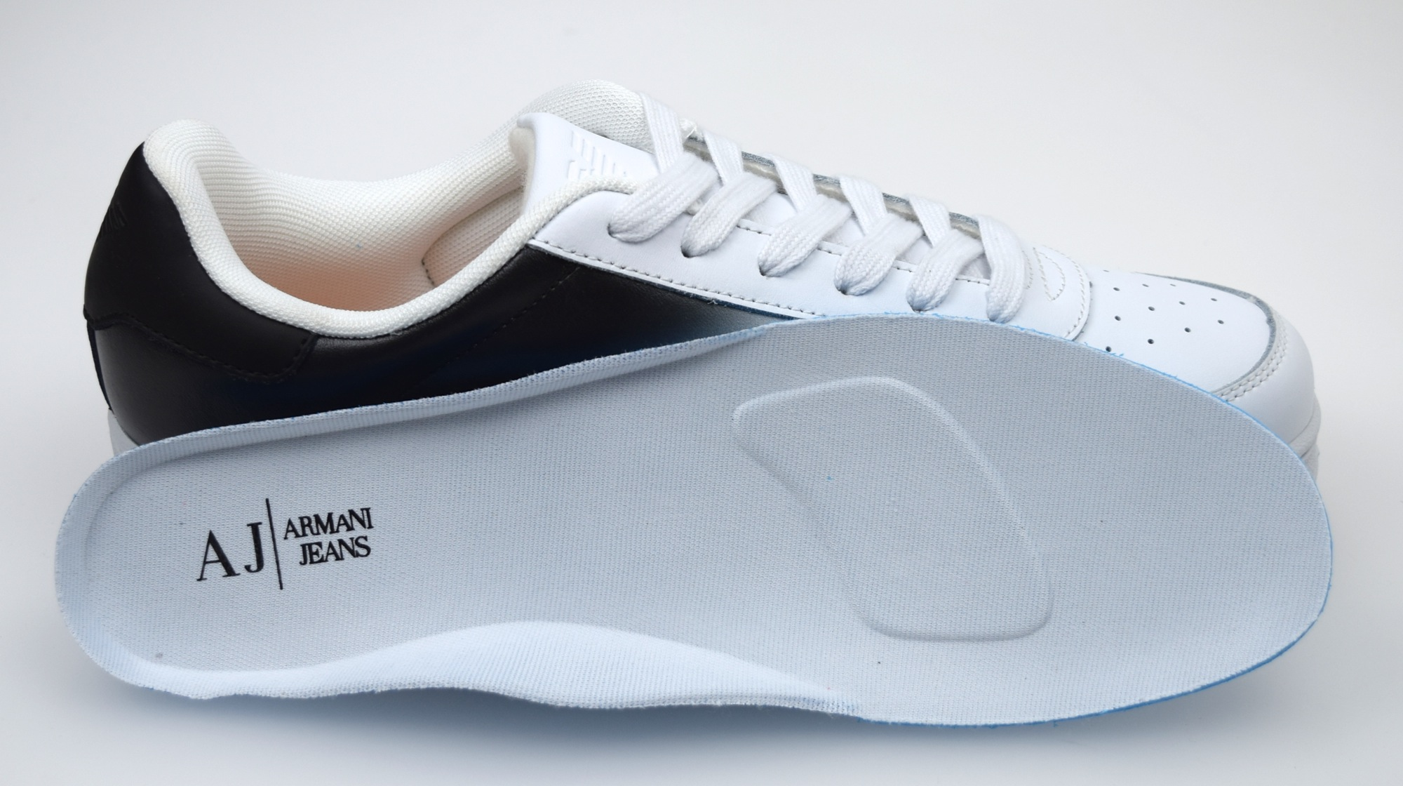 armani jeans man sneaker shoes white and black leather code b6565 ebay. Black Bedroom Furniture Sets. Home Design Ideas